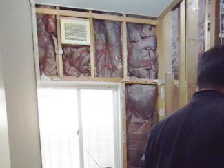(1)断熱材にカビが生える